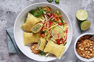 Maultaschen mit Thaigemüse und Erdnusssauce