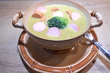 Brokkoli-Cremesuppe low carb