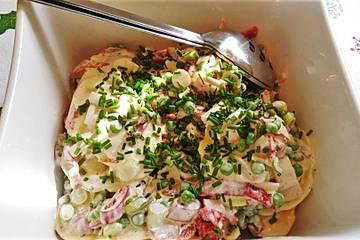 Tortellinisalat mit Putenbrustfilet in Kräuter-Frischkäse-Salatsauce