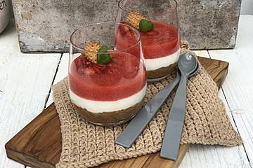 Errötende Sara - Joghurt-Erdbeerdessert