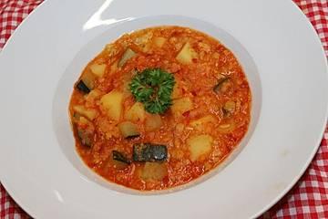 Gelbe Linsen mit Zucchini, Kartoffeln und scharfem Ajvar