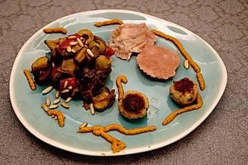 Caponata, Ravioli mit Artischockencreme, Polpette di Tonno, Pesto siciliano