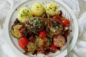 Schweinemedaillons in Tomaten-Zucchini-Rahm
