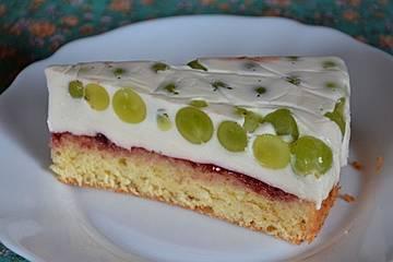 Trauben-Joghurt-Obers-Torte