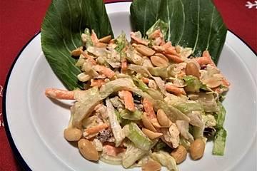 Pak Choi Salat mit Apfel in Erdnussbutter-Dressing