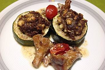 Low Carb gefüllte Zucchiniringe mit Pfifferlingen