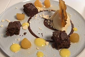 Schokoladenbrownie mit Birnenvariation