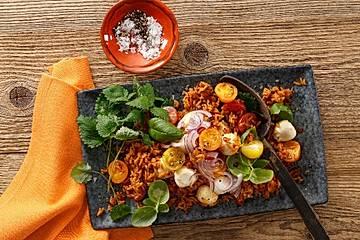 Tomaten-Reis-Salat mit Mozzarella