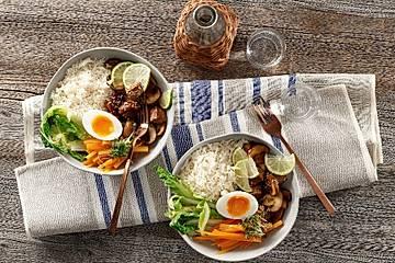 Vegetarische Bibimbap-Food-Bowl