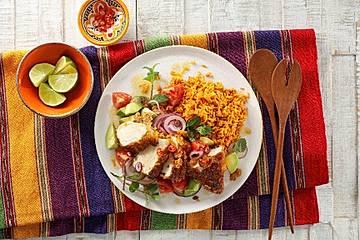 Mexikanischer Reis mit knusprigem Hähnchenfilet