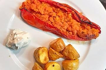 Gefüllte Spitzpaprika mit roten Linsen und Möhren