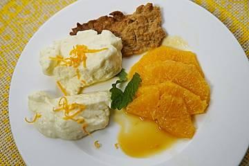 Zitronencreme auf Mandelcrunch mit Orangensalat und Karamellsauce