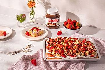 Erdbeer-Poke Cake mit nutella®