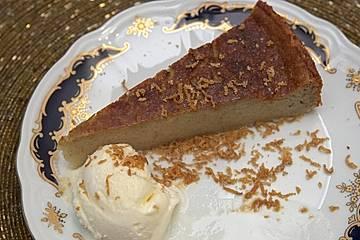 Torta de Guineo con helado de vainilla y panela - Bananenkuchen mit Vanilleeis und Rohrzucker