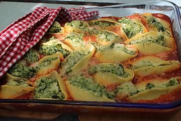 Muschelnudeln mit Blumenkohl und Spinat gefüllt