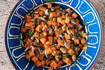 Lauwarmer Süßkartoffelsalat