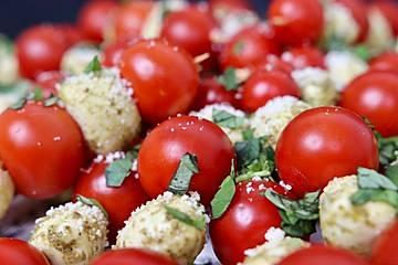Mozzarella - Tomaten Spieße
