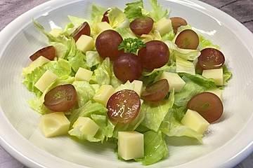 Käse - Trauben - Salat