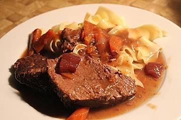 Rinderbraten mit würziger Rotweinsauce