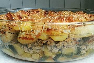 Kartoffel - Auflauf mit Hackfleisch und Porree