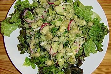 Puffbohnensalat mit Radieschen