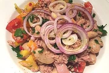 Thunfischsalat mit dicken weißen Bohnen