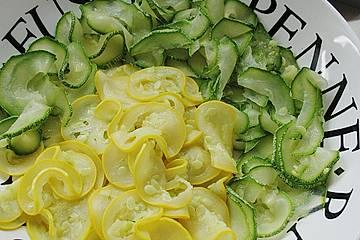Marinierte Zucchini mit Mozzarella