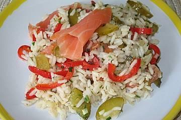 Pikanter Reis - Salat mit Räucherfisch