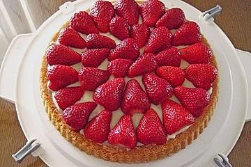 tortenboden mit erdbeeren