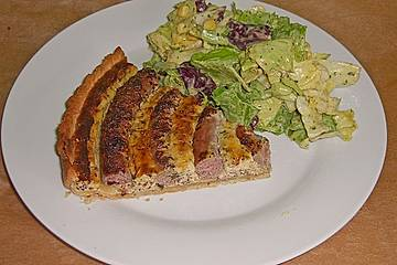 Bratwurst - Torte mit Senfkruste