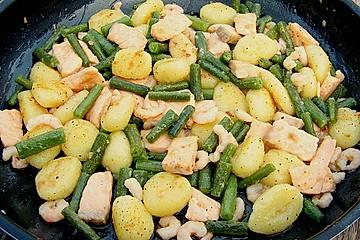 Gnocchi - Pfanne mit Lachs, Shrimps und Bohnen