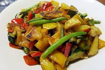 Kartoffelwürfel mit Gemüse