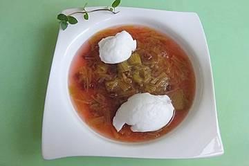 Rhabarbersuppe mit Grieß - oder Schneeklößchen