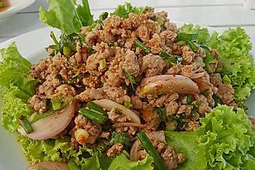 Thailändischer Schweinehackfleischsalat
