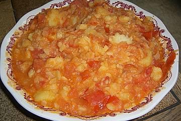 Batatas com tomatada