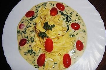 Penne in Spinat - Gorgonzola - Sauce