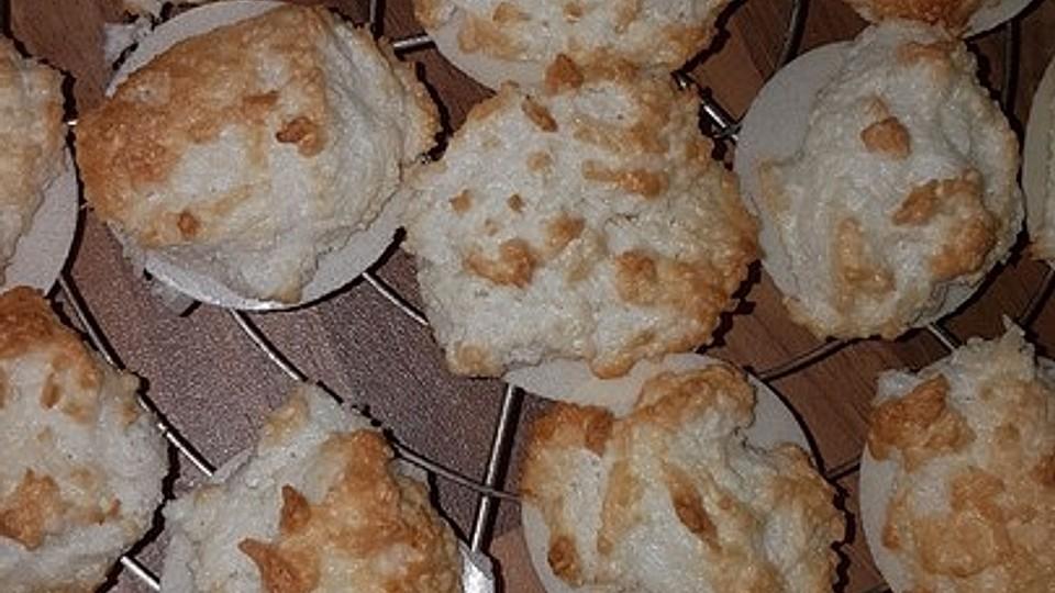Weihnachtsplätzchen Haselnussmakronen.Kokos Oder Haselnussmakronen