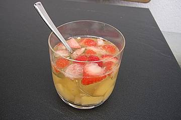 Erdbeer - Ananas - Bowle