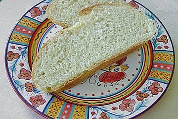 Locker luftiges Weißbrot mit Dinkel und Hartweizenmehl