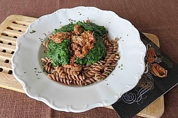 Spaghetti mit Rahmspinat und Thunfisch