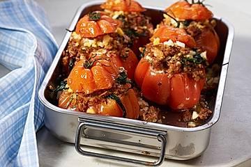 Gefüllte Tomaten mit Spinat und Hackfleisch