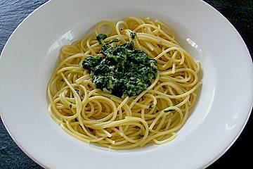 Spaghetti mit Spinat-Gorgonzolasoße