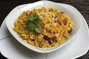 Couscous mit getrockneten Früchten