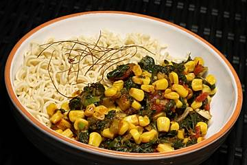 Mie - Nudeln mit Spinat und Mais