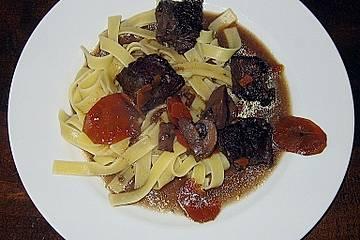 Französischer Rinderschmortopf mit Pilzen