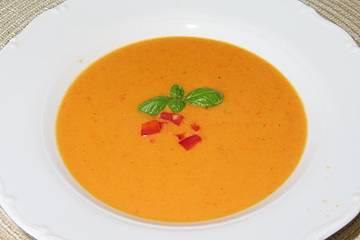 Italienische Paprikacremesuppe