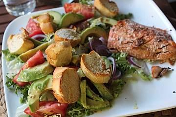 Sommertraum - Avocado - Brot - Salat