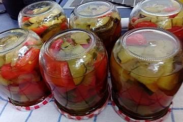 Süß - sauer eingelegte Zucchini