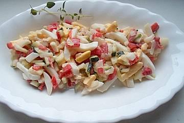 Eiersalat mit Remoulade, Paprika und Gurke