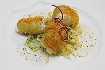 Zander im Kartoffelmantel auf Fenchelgemüse mit Senfsauce